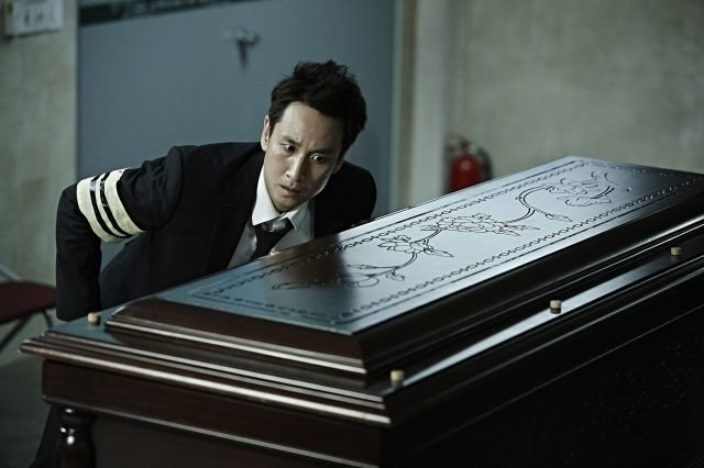 new-stills-for-the-Korean-movie-A-Hard-Day_97